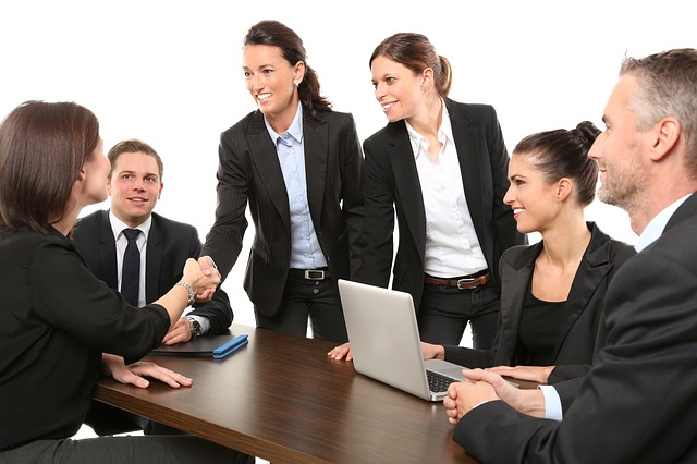 Weighing Up Positives and Negatives of Business Outsourcing
